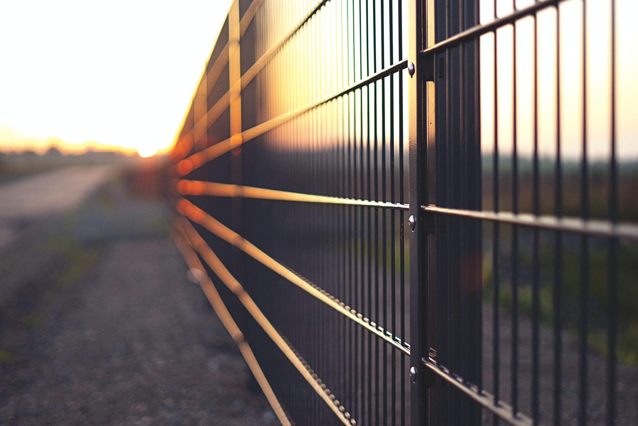 Gondozásmentes kerítés